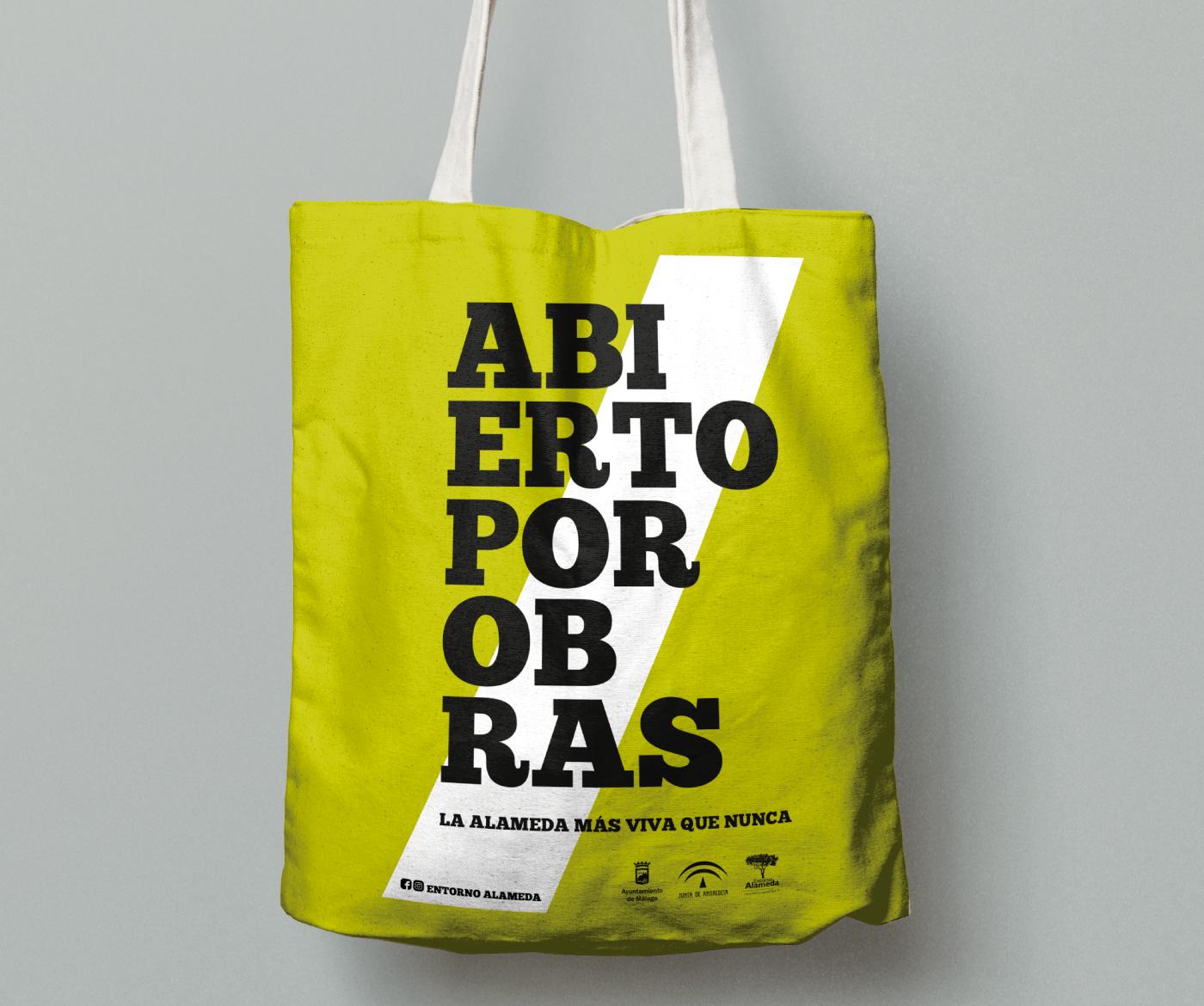 9_lamadredelosbeatles_TOTE_ABIERTO_POR_OBRAS